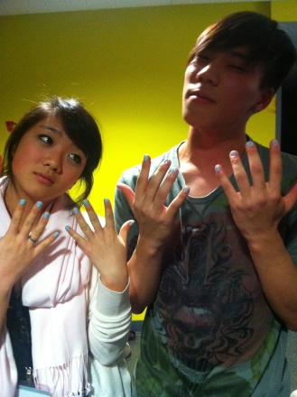 LOOOOL THAT NIGHT WHEN I PAINTED HIS NAILS HAHAHAHA #whipped